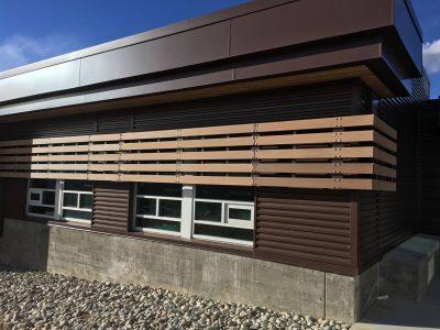 High School, Fassade